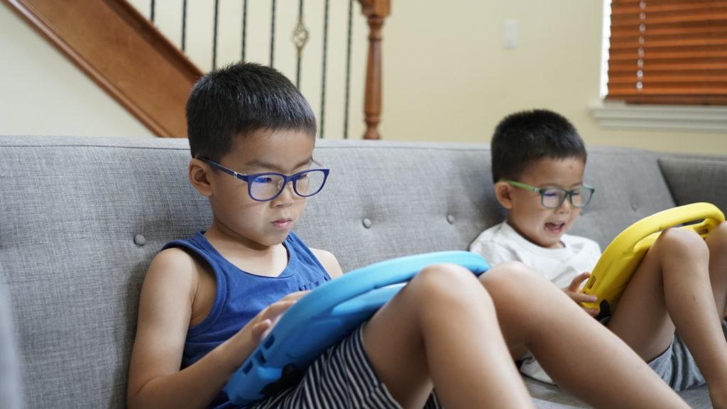 blue light keeps kids active